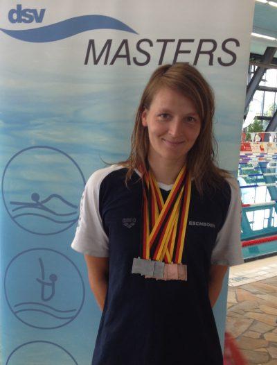 Susan Przywara des Schwimmclub Westerbach Eschborn (SCWE) in Gera bei den 48. Deutschen Meisterschaften der Mastersschwimmer