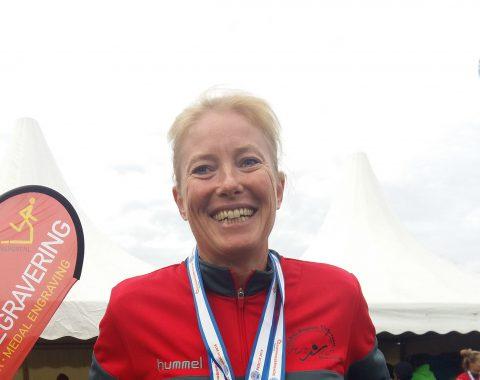 Katlin Volk vom Schwimmclub Westerbach Eschborn (SCWE) ist wird mit der Staffel dreimalige Weltmeisterin im Rettungsschwimmen
